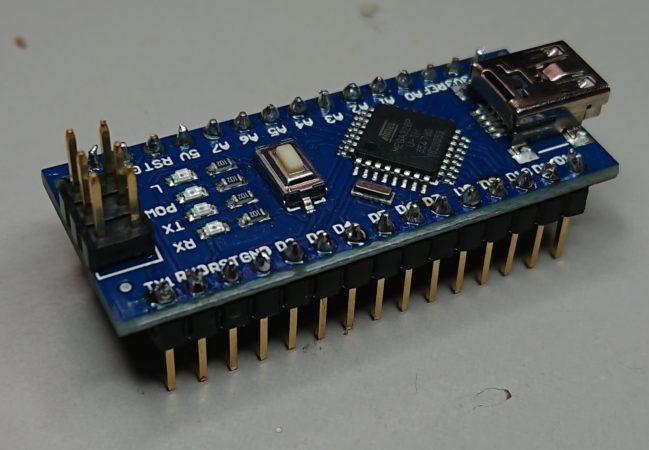 Arduino nano mit angelöteten Stiftleisten