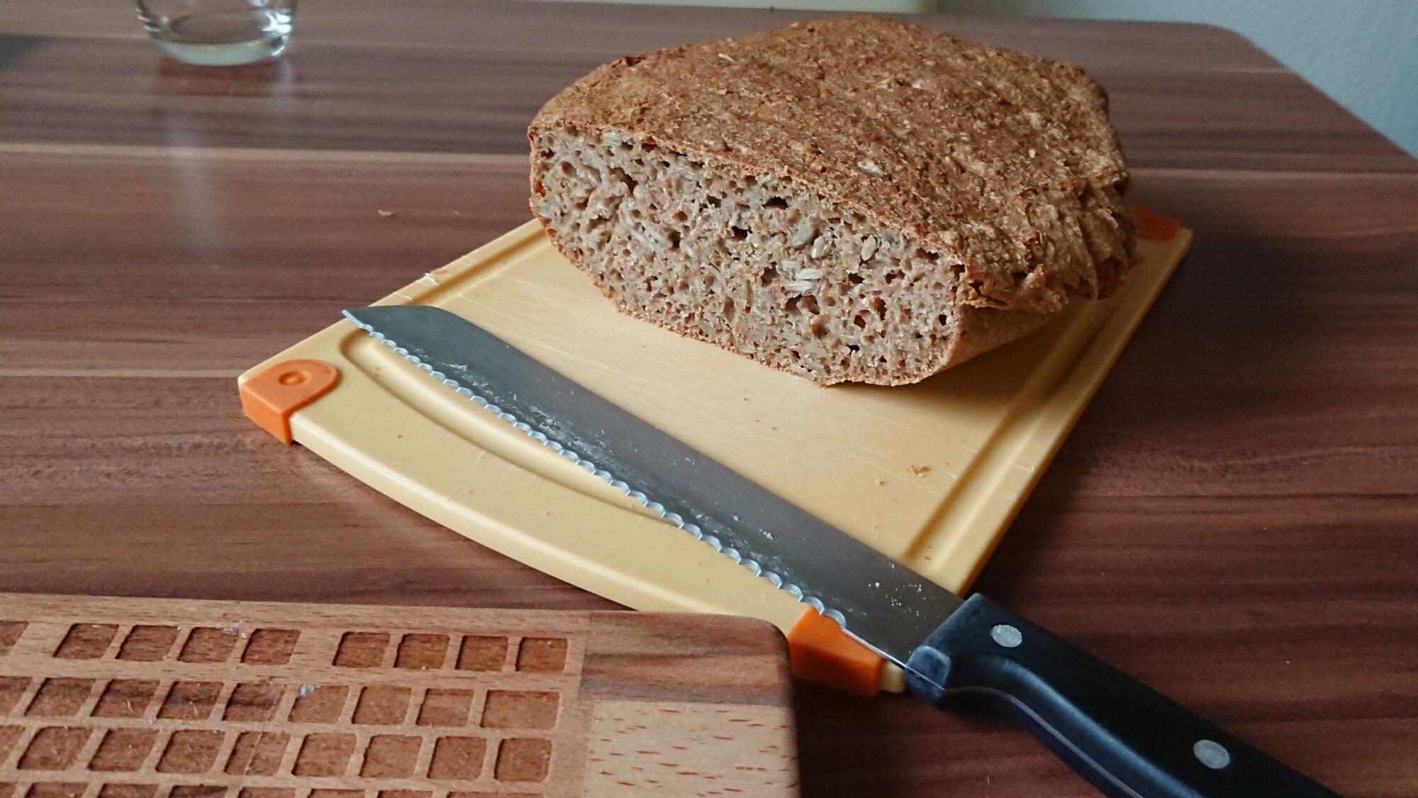 angeschnittener Brotlaib